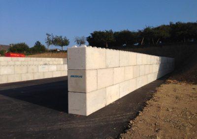golebloc-bloc-beton-marque-mur